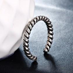 100% 925 sterling silver thai silver fashion ladies`finger