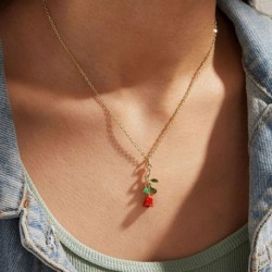 Modyle Red Rose Flower Pendant Necklace for Women Vintage Boho Botanical Necklace Glamour Fashion Party Gifts