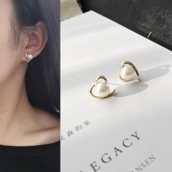 Korean fashion peach heart love pearl simple earrings