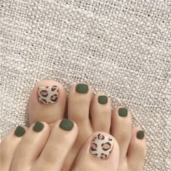 Green Leopard Fake Nails Square Head Short Paragraph Manicure Accessories Summer Bride's Fake Toenail Patch Nail Art